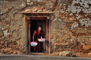 10---Lama-washed-dishes