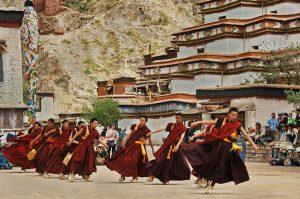 12---Lama-dance