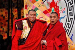 17---Lama-maintain-order