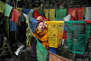 25---Offer-prayer-flags