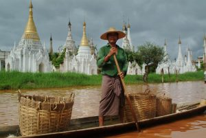 Inle-010