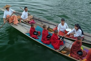 Inle-025
