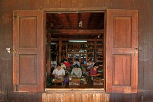 Inle-028