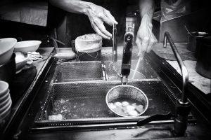 R0000503-Cooking-Noodles